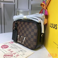 HCXX 19Aug 575 Louis Vuitton LV M40189 Santa Monica 3D Logo Sing Bag Camera Bag 22-7-15cm