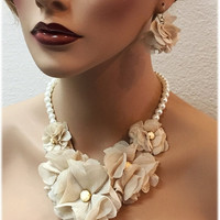 wedding jewelry set, ruffle jewelry set, Beige mesh jewelry, Pearl necklace earrings, Champagne Formal jewelry set,bridesmaid necklace gift