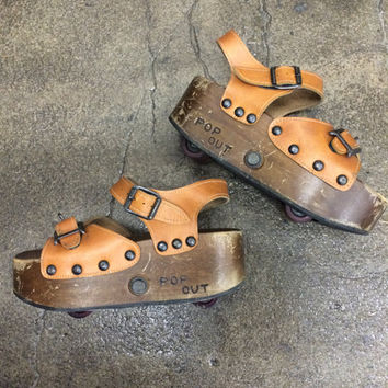 Rare Vintage 1970s POP OUT Skate Sandals Tan Leather Wood Platform Shoes Size 6 Roller Skate Sandals Retro Wheelies GoGo Dancer Roller Skate