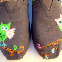 The Jamie - Owls and Paisley Custom TOMS