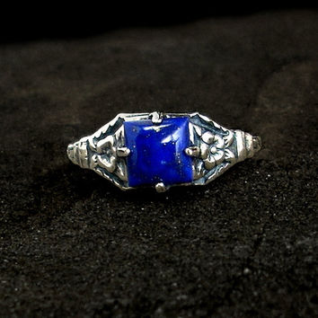 Lapis Ring: Sterling Silver, Lapis Lazuli - navy blue stone, square gemstone, cabochon, floral band, vintage style ring, antique
