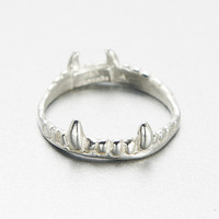 verameat | vampire crown ring in silver