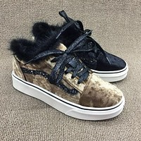 Vans Old Skool Leadcat Fur Plush Casual Sneaker