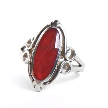 Vintage Sterling Silver Red Stone Ring - Size 7 1/2 Retro Statement Jewelry / Oval Red