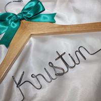 Custom Bridal Hangers, Bridesmaids gift, Personalized Hanger, Wedding hangers with names, Custom made hangers