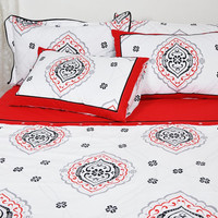 Damask Duvet Cover Set in Red, White, Black and Grey for Queen, Double or Full Size – 3-piece Bedding Set with Duvet Cover & Pillow Cases