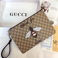 GUCCI New Vintage Classic Bee Logo Clutch Bag