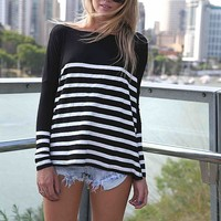 Oversized Stripe Pattern Knit Sweater with Round Neckline