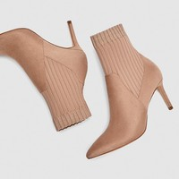 HIGH HEEL SOCK-STYLE ANKLE BOOTS DETAILS