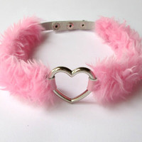 OMG! Pink Love Heart Choker Necklace - Pastel Goth Furry Heart Collar Choker - Kawaii Cosplay Gyaru Choker - PU Leather and Pink Faux Fur