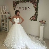 White Ball Gown Wedding Dresses with Butterflies Strapless Bridal Dresses Gowns