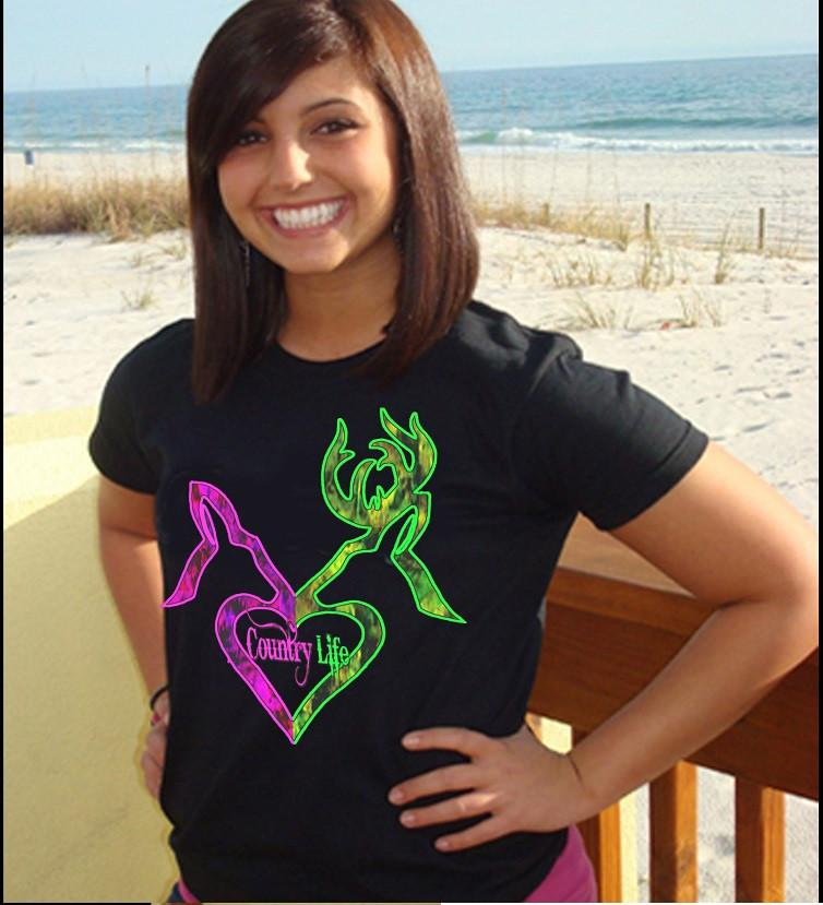 Image of Country Life Outfitters Black Green & Pink Deer Kiss Kiss Heart Love Hunt Vintage Bright T Shirt