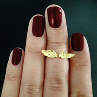 Angel Wings Knuckle Ring Mid Ring from Serge and Destroy