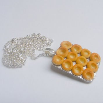 Food Jewelry Yorkshire Pudding Necklace, Yorkshire Pudding Pendant, Yorkshire Pudding Charm Polymer Miniature Food Jewelry Mini Food Jewelry