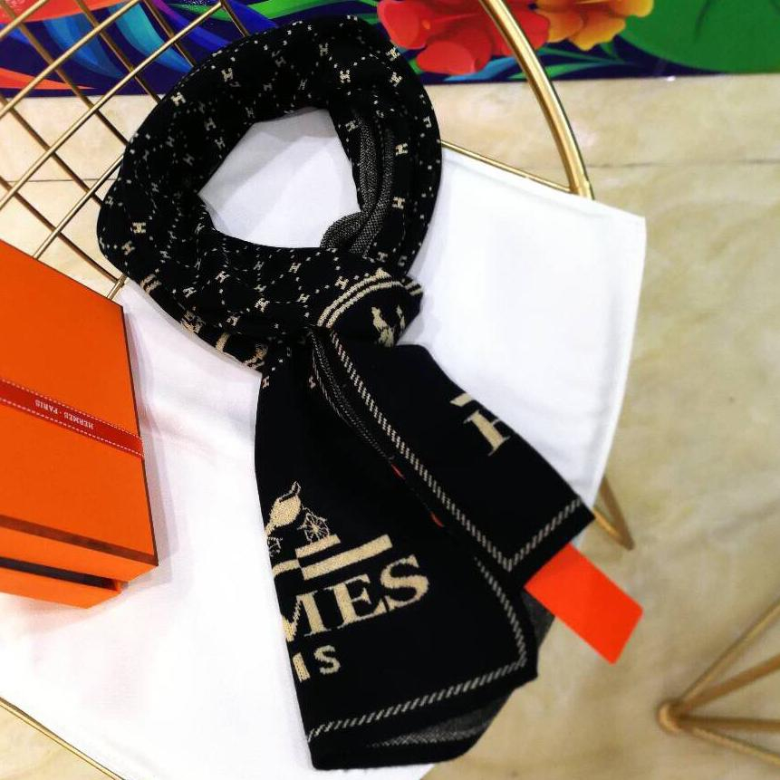 Image of Perfect HERMES Woman Fashion Accessories Sunscreen Cape Scarf Scarves