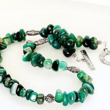 Green Emerald  Chunky Nugget Agate Beads Silver Toggle Clasp Necklace/Pantone color of the year 2013