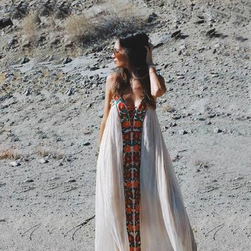 2017 Summer Dresses Strapless floral embroidery sexy White maxi Dress long women Dresses hippie chic Vestido Robes