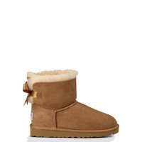 UGG® Mini Bailey Bow for Kids | Free shipping at UGGAustralia.com