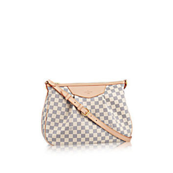 Products by Louis Vuitton: Siracusa MM