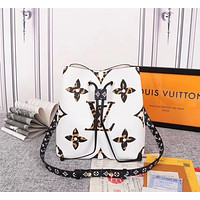 LV Louis Vuitton MONOGRAM CANVAS N¨¦oNo¨¦ INCLINED SHOULDER BAG