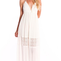 BACKLESS FLORAL LACE MAXI DRESS
