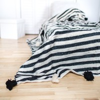 Pom Pom Blanket, Black and White