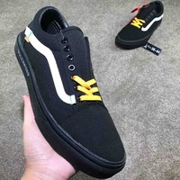 VANS Classic Canvas Shoes Cabinet Essentials Wild models F-CSXY black