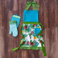 The Pioneer Woman Country Garden Kitchen Set, Apron/Oven Mitt/Pot Holder - Walmart.com