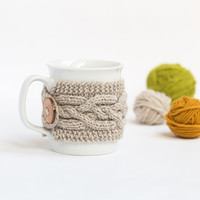 Cup Cozy in Beige Melange, Knitted Mug Cozy, Coffee Cozy, Cup Cozy, Handmade Wooden Button, Coffee Cozy Sleeve, Warmer, Fall, Autumn, Gift