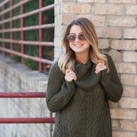 OIive Oversized Cable Knit Sweater