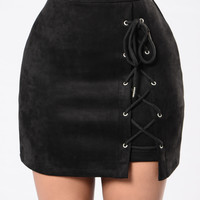 Glass City Skirt - Black