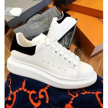 Alexander McQueen Classic Fashionable Women Men Casual Sports Running Shoes Sneakers