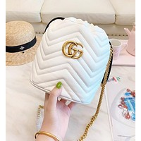GUCCI New fashion leather chain shoulder bag bucket bag White