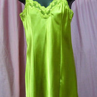 Satin Sexy Night Gown, Bright Lime Green, Short Chemise, Nightgown, Victoria Secret, Size Small, Bridal Honeymoon, Resort Cruise Wear