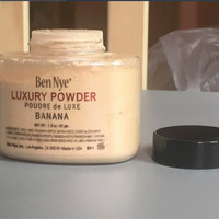 Ben Nye Luxury Face Loose Banana Powder