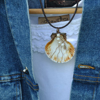 Wire wrapped shell; shell necklace; shell and pearl necklace; shell pendant; ocean theme necklace; beach theme necklace; scallop shell