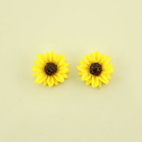 10 mm Round Sunflower in Magnetic or Pierced  Earrings
