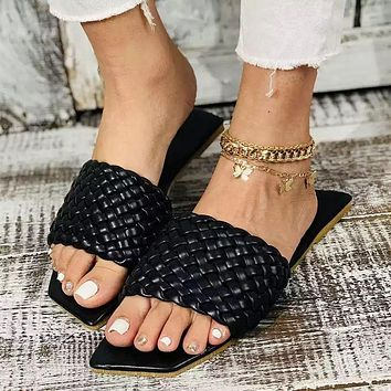 New style large size women's shoes Fashion woven square toe flat beach slippers