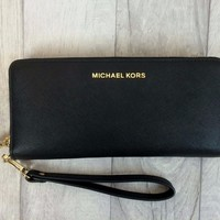 MICHAEL KORS Jet Set Travel Leather Continental Black Wristlet Purse Wallet