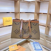 LV Louis Vuitton retro versatile large-capacity shopping bag handbag