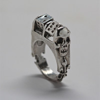 'Roll The Dice!' Ring with moving dice.