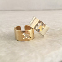 Wide Band Ring | X