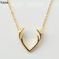 hzew Fashion Deer Horn Antler Necklace Unique Animal Necklace Minimalist Jewelry For Women Cute Pendant Tiny Necklace