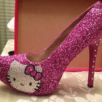 Hello Kitty almond toe pump