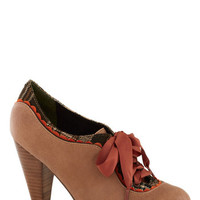 Poetic License The Estate of Things Heel in Chai | Mod Retro Vintage Heels | ModCloth.com