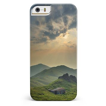 Beautiful Countryside iPhone 5/5s or SE INK-Fuzed Case
