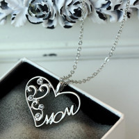 """Women's Fashion Love """"Mom"""" Crystal Pendant Necklace Mother's Day Gifts Chain Necklaces"""