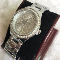 GUESS Fashion new diamond round shell dial more diamond watch men Silver