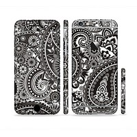 The Black & White Pasiley Pattern Sectioned Skin Series for the Apple iPhone 6 Plus