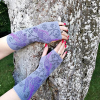Very long gray wrists, arm warmers with a hole for your thumb, wonderful bird pattern, premium cashmere wool, no skin irritation, great gift